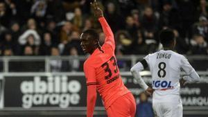 Así juega Tanguy Kouassi, el joven central que interesaría al Barça