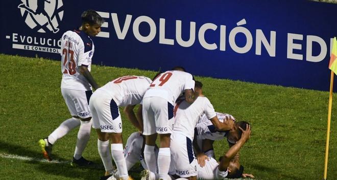 Un instante del Guabirá-Independiente.