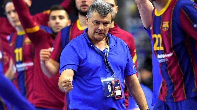 Pascual celebra la victoria ante el Nantes