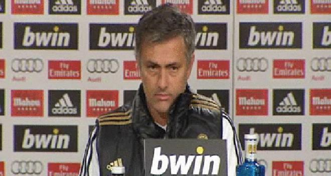 Mourinho: Les he dicho tenéis 45 minutos para limpiar la basura