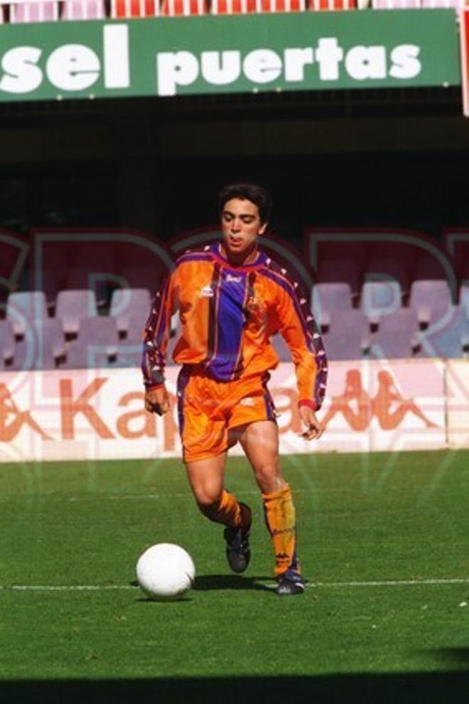 8.Xavi Hernández 1997-98