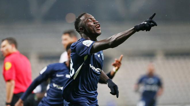 Silas Wamangituka celebra uno de sus goles con el París FC