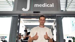 Szczesny pasa reconocimiento médico con la Juve