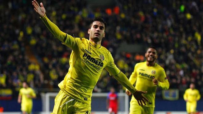Trigueros, celebrando un gol al Steaua