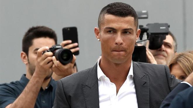 Cristiano, estrella mediática en Turín