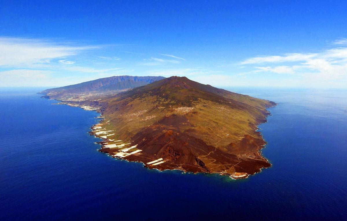 Los terremotos en La Palma elevan el terreno 6 centímetros, ¿erupción volcánica a la vista?