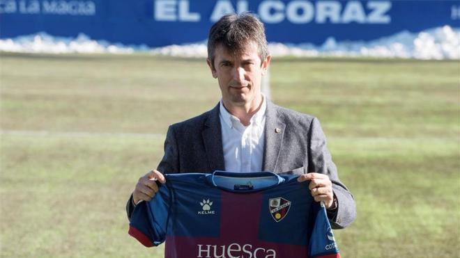 Pacheta, en su presentación como entrenador del Huesca