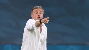 Luis Enrique no pudo saborear una victoria en su debut como entrenador en una Eurocopa