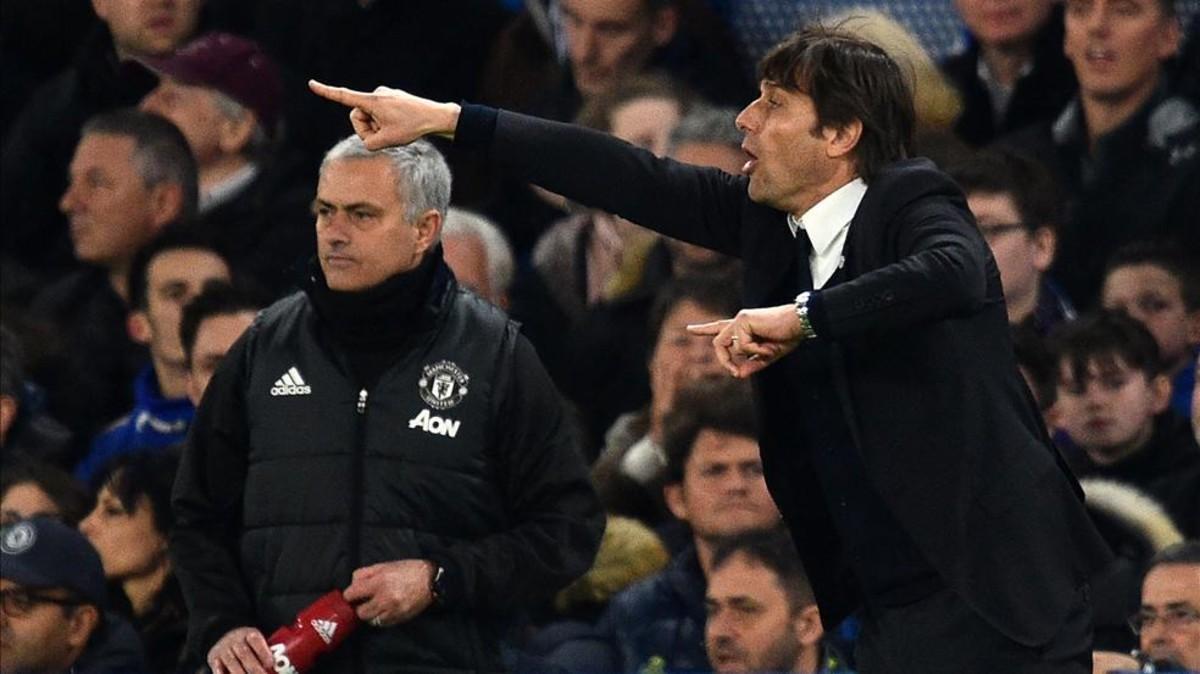 Conte y Mourinho, en un partido entre el Chelsea y el United esta temporada
