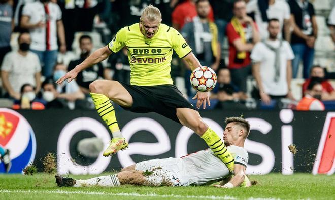 El Dortmund de Haaland triunfa en Turquía