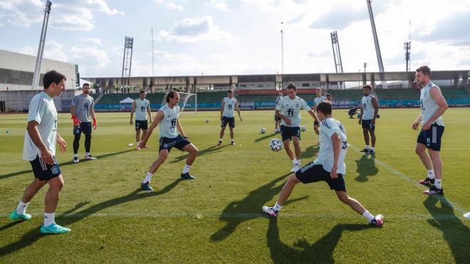 El último entrenamiento de la Selección antes del viaje a Sevilla