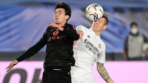 El Real Madrid pierde dos puntos ante la Real Sociedad y deja al Barça segundo