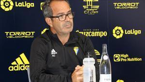 Se proponen cuatro partidos de sanción para el técnico del Cádiz