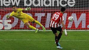 El Athletic hunde al Huesca con un gol en el último suspiro