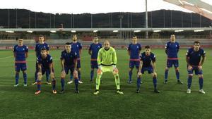 Los jugadores del Amoerbieta posando previo a un partido