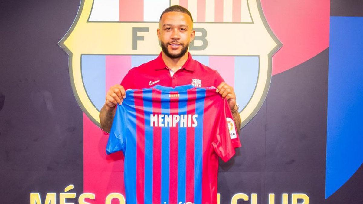 Depay ya entrena con el FC Barcelona