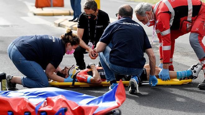Landa fue trasladado al hospital en ambulancia después de su caída