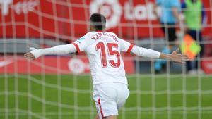En-Nesyri le marcó un hat-trick al Cádiz