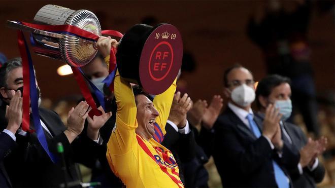 Messi levantó el trofeo de campeón