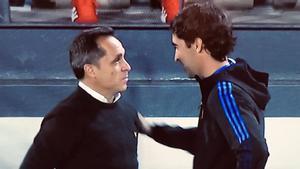 Sergi Barjuan y Raúl, en el mini clásico