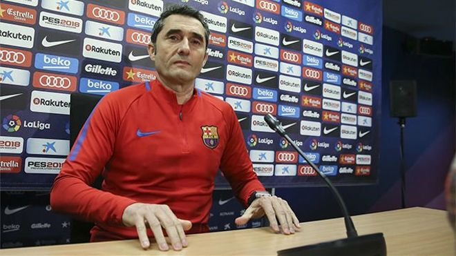 Valverde comparó las variantes tácticas de Coutinho e Iniesta