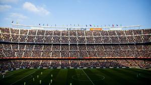 El Camp Nou lleva año y medio sin público en las gradas