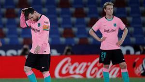 El Barça dice adiós a LaLiga tras empatar ante el Levante: el resumen de la debacle culé
