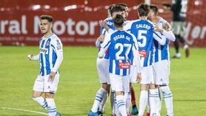 Los jugadores del Espanyol celebran un gol ante el Mirandés.