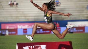 Ana Peleteiro ya está en la final del triple salto