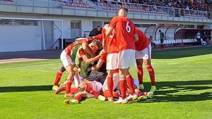 Los portugueses celebran el primer gol
