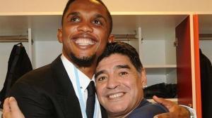 Etoo: Lo que Maradona hizo en el fútbol pertenece a otro planeta