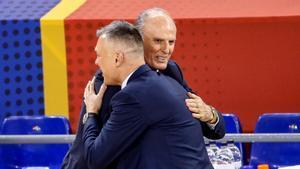 Jasikevicius e Ivanovic se saludan antes del partido