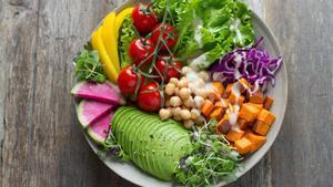 Consejos para ser vegano en pleno 2021: ¿es sano cambiar la alimentación?