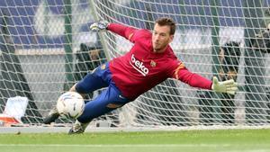 Neto, en un entrenamiento del Barça