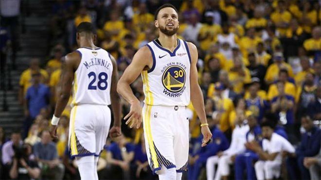 Curry: Estamos echando de menos 50 puntos entre Durant y Thompson