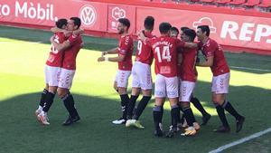 Los jugadores del Nàstic celebran uno de los goles