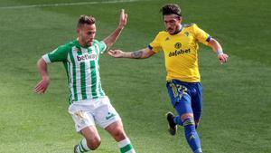 Canales: El Betis me ha hecho volver a disfrutar del fútbol