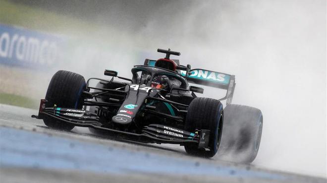 Hamilton durante la clasificación el Gran Premio de Austria, pasada por agua.