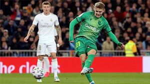 Odegaard abrió el marcador en el Bernabéu tras una cantada de Areola