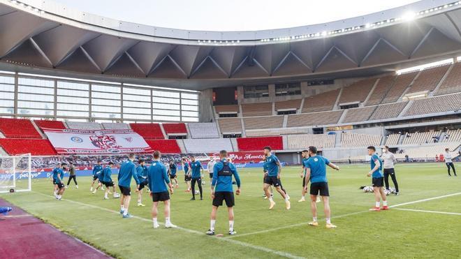 La última sesión de entrenamiento del Athletic en La Cartuja antes de la final