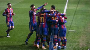 El FC Barcelona celebra su gol durante la primera semifinal de la Supercopa de España de fútbol entre la Real Sociedad y el FC Barcelona que se disputa en el Nuevo Arcángel, en Córdoba