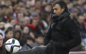 Luis Enrique tuvo tiempo de demostrar su habilidad con el balón