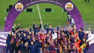 Las campeonas celebrando la consecución de la Champions