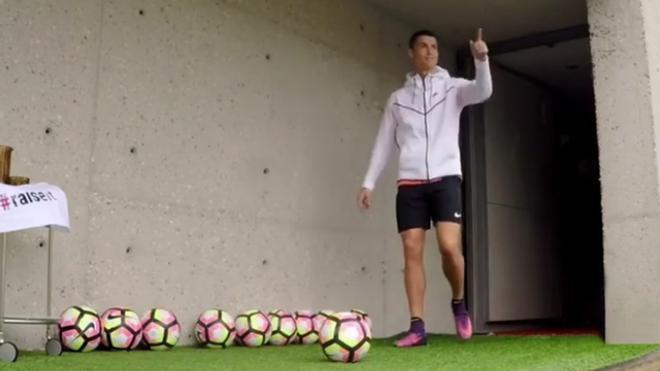 Cristiano Ronaldo imitó el reto de Messi y Suárez
