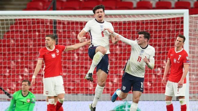 Maguire celebra su gol ante Polonia.