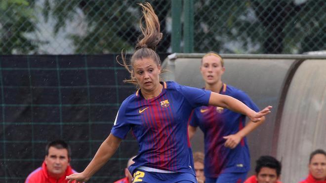 Martens, con la camiseta del FC Barcelona