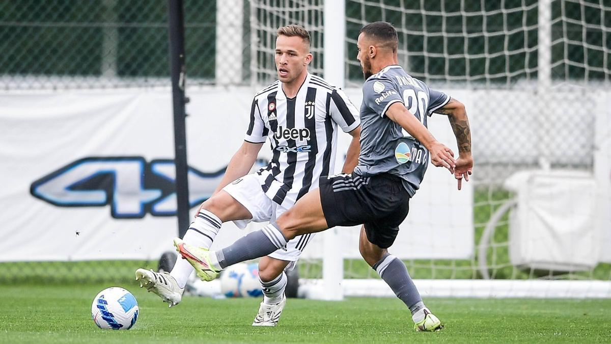 Arthur en el partido amistoso ante el Alessandria