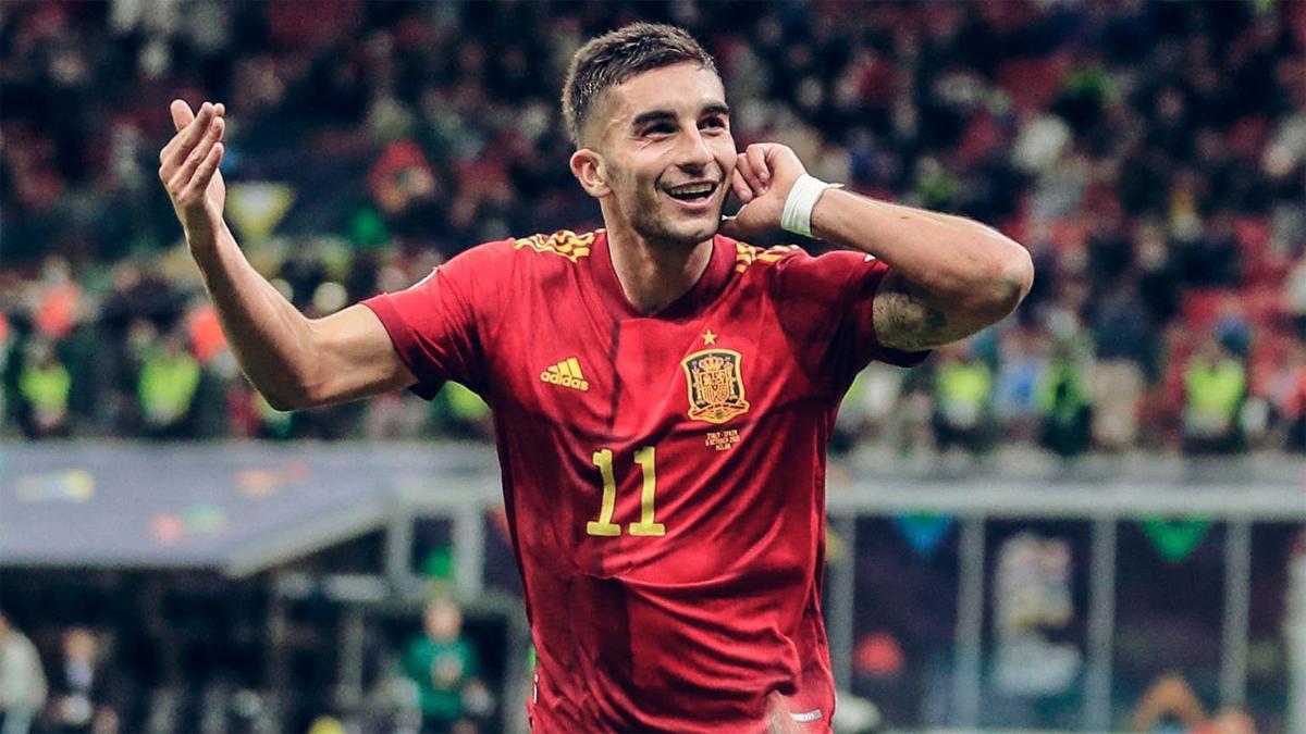 Ferran Torres celebra un tanto ante Bélgica