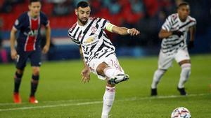 Bruno Fernandes adelantó al Manchester desde el punto de penalti