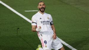Benzema marcó el primero